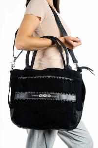 Сумка классическая Хэнди черная замшевая с вышивкой